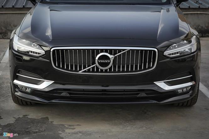 Volvo S90: Giá hơn 2 tỷ, cạnh tranh E-Class tại VN ảnh 3