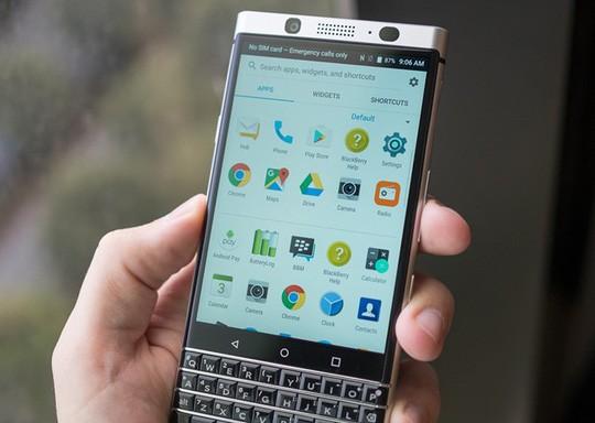 Cận cảnh BlackBerry Mercury với bàn phím cứng ảnh 2