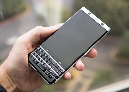 Cận cảnh BlackBerry Mercury với bàn phím cứng ảnh 1