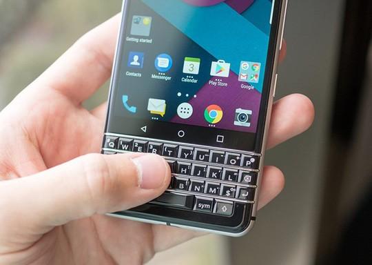 Cận cảnh BlackBerry Mercury với bàn phím cứng ảnh 9