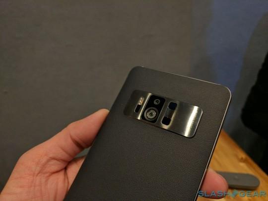 Zenfone AR, smartphone RAM 8 GB đầu tiên tại CES 2017 ảnh 1