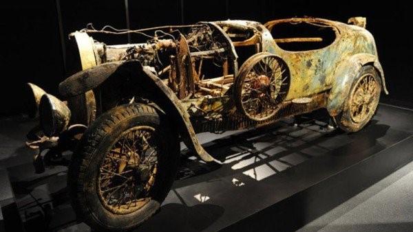 Xe Bugatti hiếm nằm dưới đáy hồ 73 năm ảnh 2