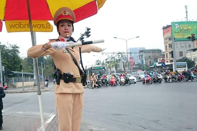 Hà Nội huy động 100% quân số CSGT chống ùn tắc sau tết ảnh 1