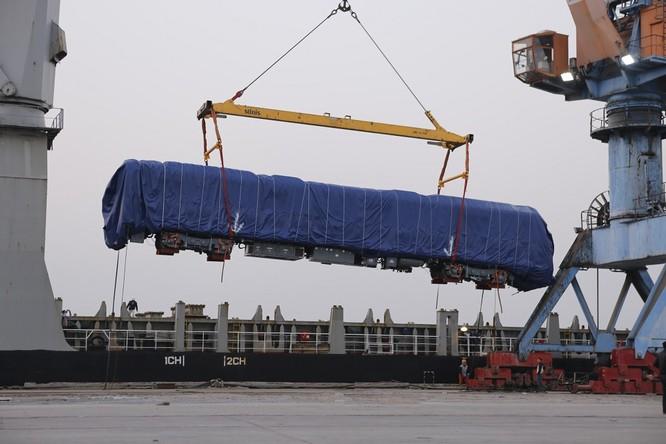 Đầu máy, toa tàu đường sắt Cát Linh – Hà Đông về đến Hải Phòng ảnh 1