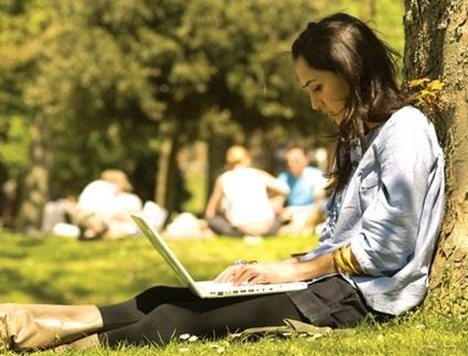Sinh viên nên dùng laptop thế nào cho hiệu quả? ảnh 1