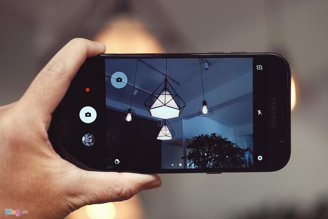 Samsung Galaxy A7: Bom tấn giá mềm ảnh 3