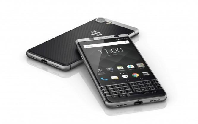 """BlackBerry KeyOne trình làng: """"Hồn"""" TCL, """"da"""" BlackBerry, giá 12,5 triệu đồng ảnh 3"""