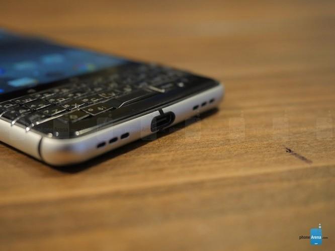 """Trên tay nhanh BlackBerry KEYone: dành cho fan """"cuồng"""" BlackBerry ảnh 7"""
