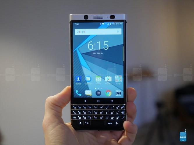 """Trên tay nhanh BlackBerry KEYone: dành cho fan """"cuồng"""" BlackBerry ảnh 2"""