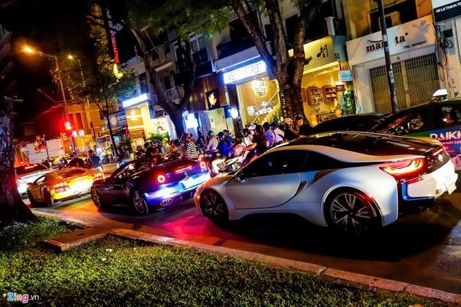 Đại gia Sài Gòn chào đón Gialai Team bằng dàn siêu xe ảnh 9