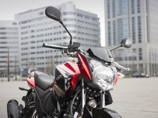 Yamaha YS125 2017: Xe côn tay cho người mới bắt đầu ảnh 2
