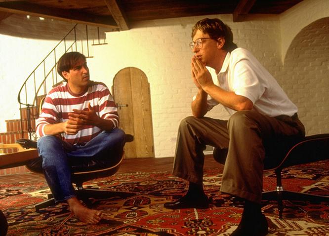 """Loạt ảnh về mối quan hệ """"bạn-thù"""" kỳ lạ của Steve Jobs và Bill Gates ảnh 1"""