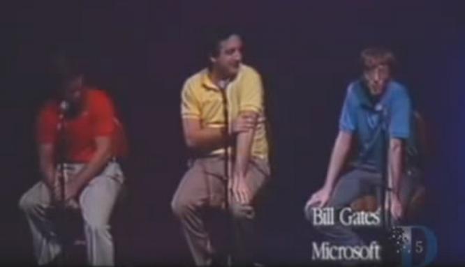 """Loạt ảnh về mối quan hệ """"bạn-thù"""" kỳ lạ của Steve Jobs và Bill Gates ảnh 4"""