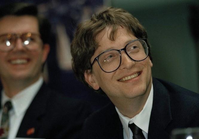 """Loạt ảnh về mối quan hệ """"bạn-thù"""" kỳ lạ của Steve Jobs và Bill Gates ảnh 10"""