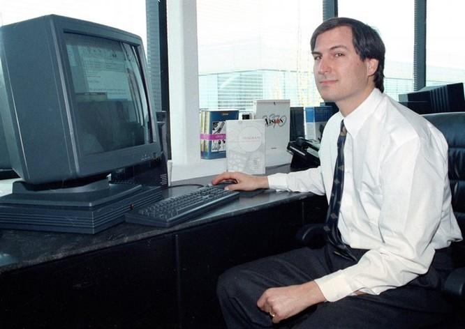 """Loạt ảnh về mối quan hệ """"bạn-thù"""" kỳ lạ của Steve Jobs và Bill Gates ảnh 14"""