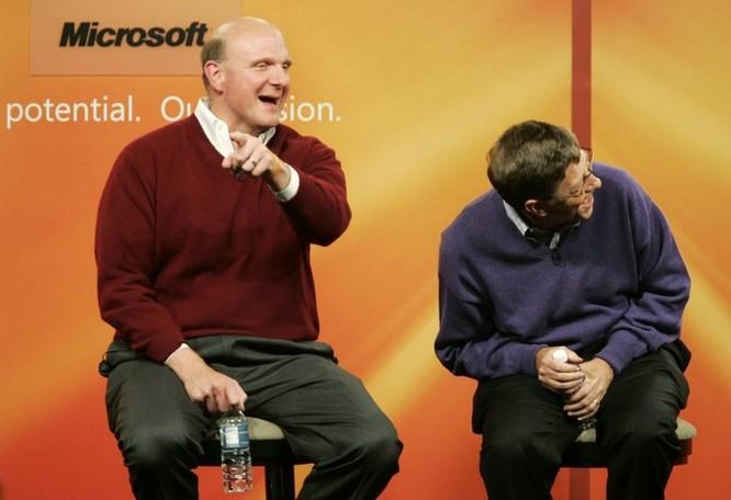 """Loạt ảnh về mối quan hệ """"bạn-thù"""" kỳ lạ của Steve Jobs và Bill Gates ảnh 24"""
