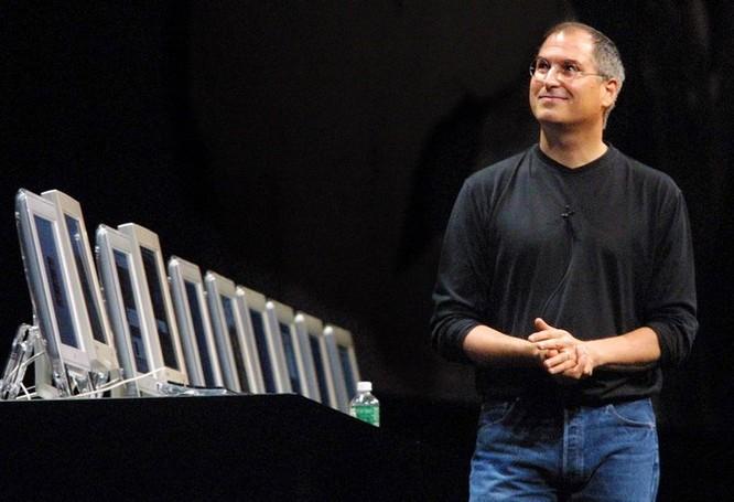 """Loạt ảnh về mối quan hệ """"bạn-thù"""" kỳ lạ của Steve Jobs và Bill Gates ảnh 32"""