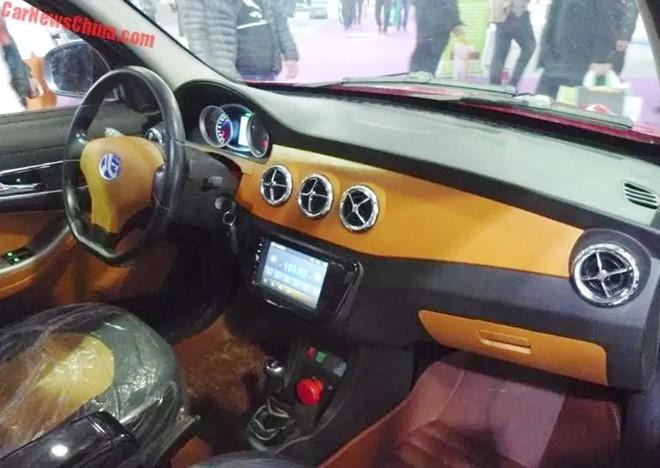 Xe nhái Mercedes-Benz giá hơn 60 triệu đồng ở Trung Quốc ảnh 1