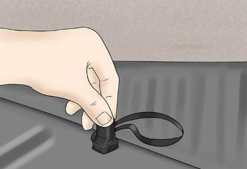 4 cách 'cạy cửa' ôtô trong trường hợp khẩn cấp ảnh 9