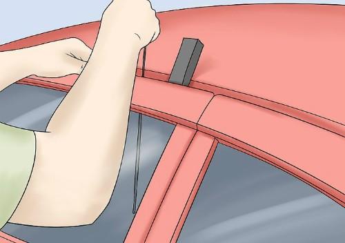4 cách 'cạy cửa' ôtô trong trường hợp khẩn cấp ảnh 3