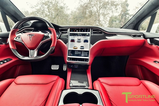 Xe điện Tesla Model X nội thất Bentley rao giá 180.000 USD ảnh 4