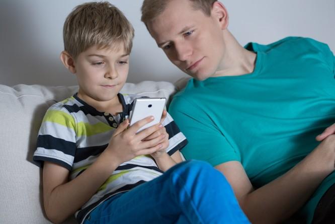 Những giải pháp bảo vệ trẻ thời công nghệ ảnh 2