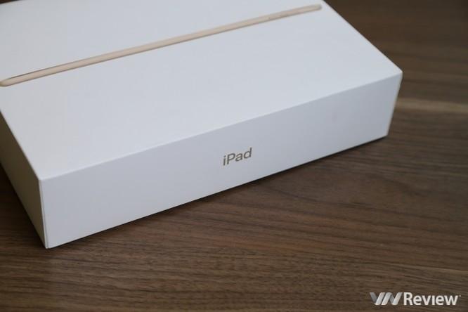 Trên tay iPad 9.7 2017 mới về Việt Nam, giá từ 9,75 triệu đồng ảnh 4