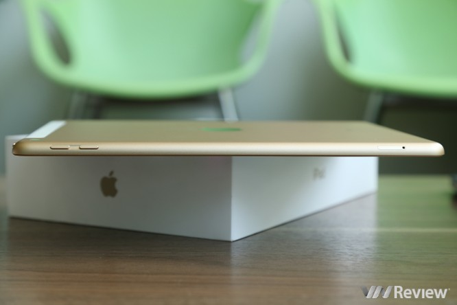 Trên tay iPad 9.7 2017 mới về Việt Nam, giá từ 9,75 triệu đồng ảnh 16