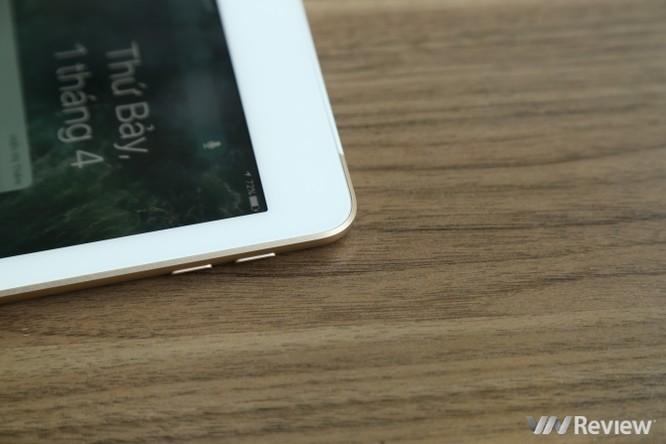 Trên tay iPad 9.7 2017 mới về Việt Nam, giá từ 9,75 triệu đồng ảnh 26