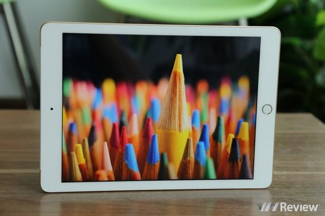 Trên tay iPad 9.7 2017 mới về Việt Nam, giá từ 9,75 triệu đồng ảnh 22