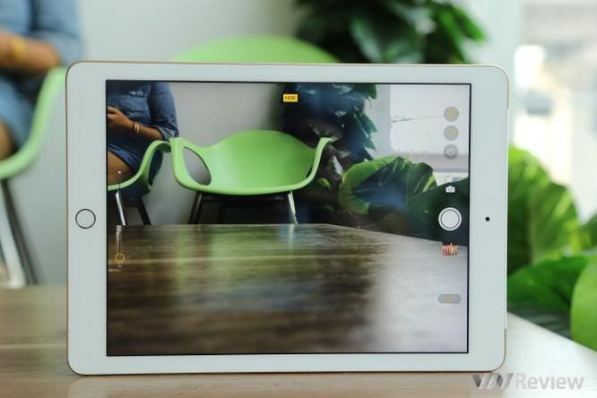 Trên tay iPad 9.7 2017 mới về Việt Nam, giá từ 9,75 triệu đồng ảnh 15