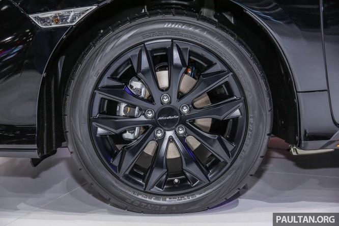 Honda Civic Hatchback 2017 gắn bodykit thể thao ảnh 3