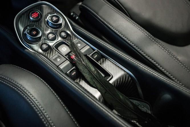 Siêu xe McLaren 570GT thân phủ lông vũ ảnh 3