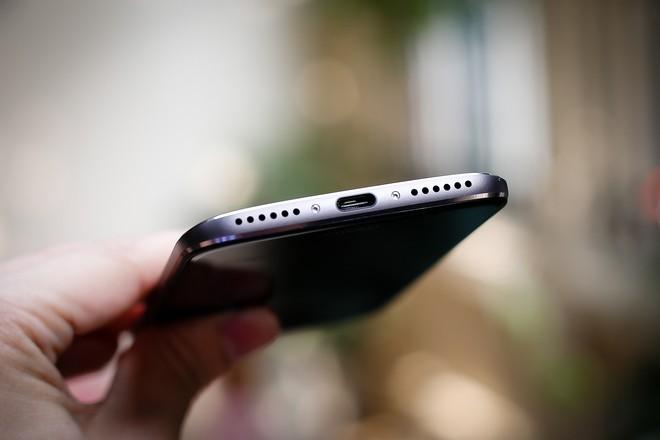 Motorola vỏ kim loại, chống nước, giá 7 triệu đồng ảnh 3