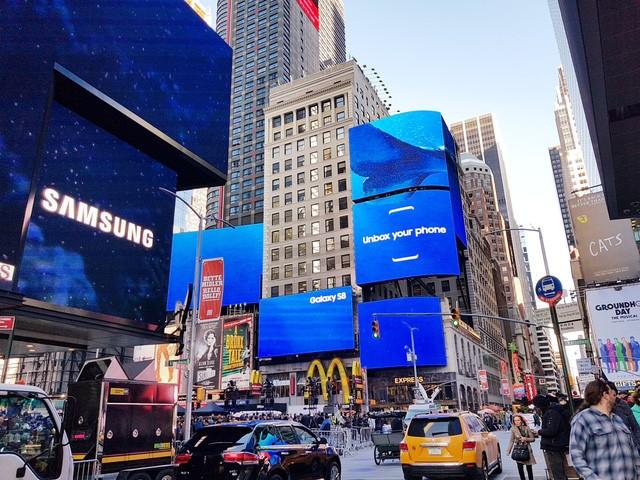 """Samsung chi tiền tấn để quảng cáo, gọi Galaxy S8 là """"giấc mơ"""" ảnh 2"""