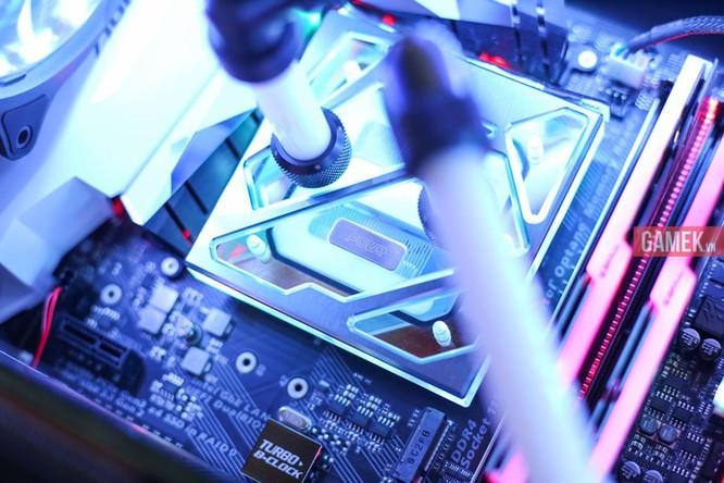 Ngắm bộ máy tính nháy đèn, đổi màu theo nhạc sàn cực chất mới ra mắt tại Việt Nam ảnh 9