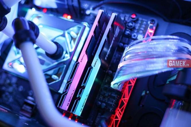 Ngắm bộ máy tính nháy đèn, đổi màu theo nhạc sàn cực chất mới ra mắt tại Việt Nam ảnh 7