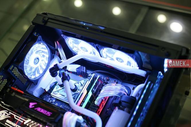 Ngắm bộ máy tính nháy đèn, đổi màu theo nhạc sàn cực chất mới ra mắt tại Việt Nam ảnh 6