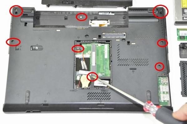 Hướng dẫn thay bàn phím và touchpad laptop tại nhà ảnh 8