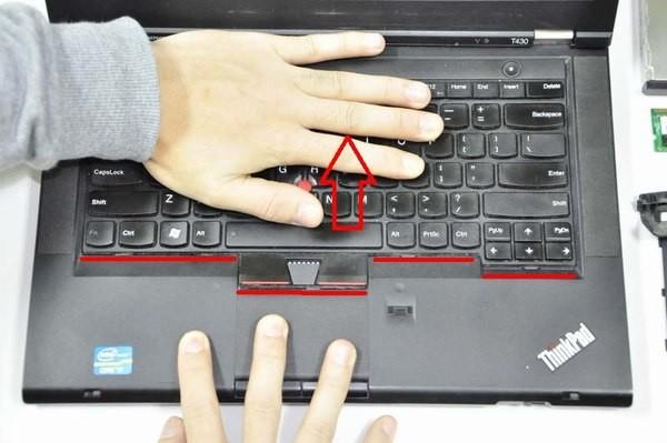 Hướng dẫn thay bàn phím và touchpad laptop tại nhà ảnh 9