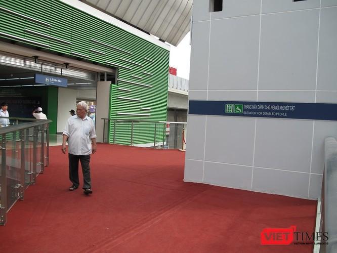 Cận cảnh nhà ga, tàu mẫu đường sắt trên cao Cát Linh - Hà Đông ảnh 3
