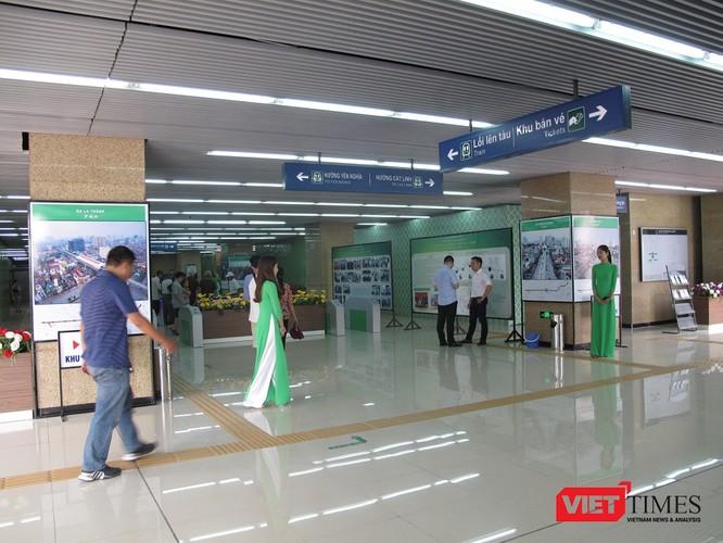 Cận cảnh nhà ga, tàu mẫu đường sắt trên cao Cát Linh - Hà Đông ảnh 4