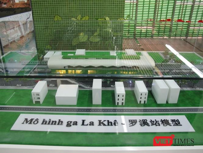 Cận cảnh nhà ga, tàu mẫu đường sắt trên cao Cát Linh - Hà Đông ảnh 11