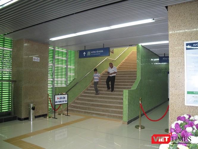Cận cảnh nhà ga, tàu mẫu đường sắt trên cao Cát Linh - Hà Đông ảnh 12