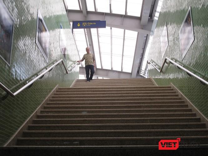 Cận cảnh nhà ga, tàu mẫu đường sắt trên cao Cát Linh - Hà Đông ảnh 16