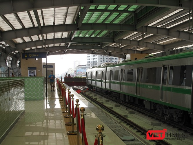 Cận cảnh nhà ga, tàu mẫu đường sắt trên cao Cát Linh - Hà Đông ảnh 17