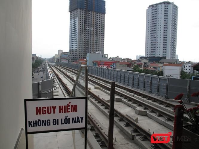 Cận cảnh nhà ga, tàu mẫu đường sắt trên cao Cát Linh - Hà Đông ảnh 19