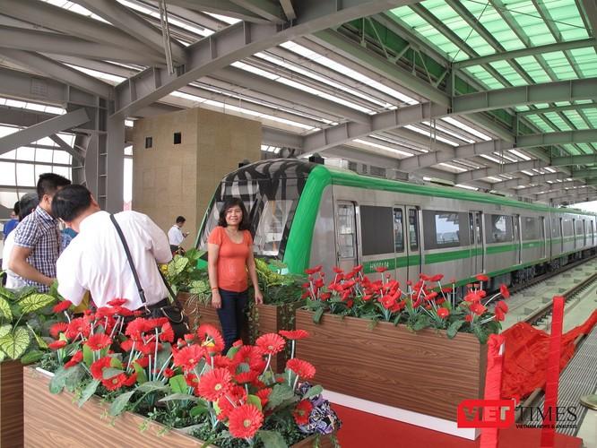 Cận cảnh nhà ga, tàu mẫu đường sắt trên cao Cát Linh - Hà Đông ảnh 20