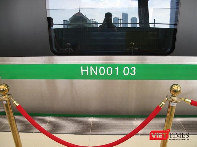 Cận cảnh nhà ga, tàu mẫu đường sắt trên cao Cát Linh - Hà Đông ảnh 23