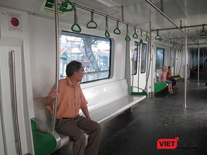 Cận cảnh nhà ga, tàu mẫu đường sắt trên cao Cát Linh - Hà Đông ảnh 27